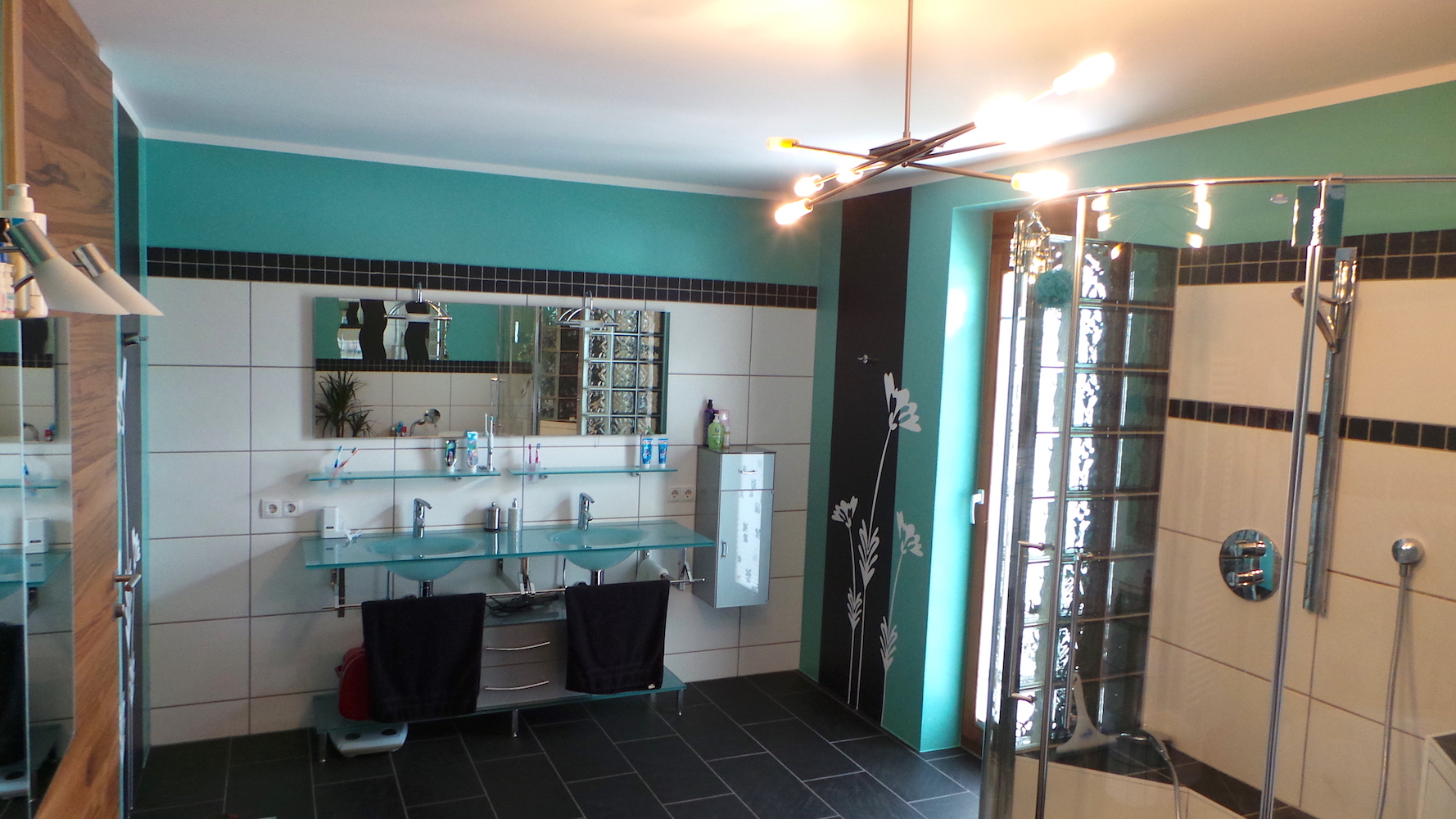 wandbeschichtung bad malereifachbetrieb form farbe. Black Bedroom Furniture Sets. Home Design Ideas